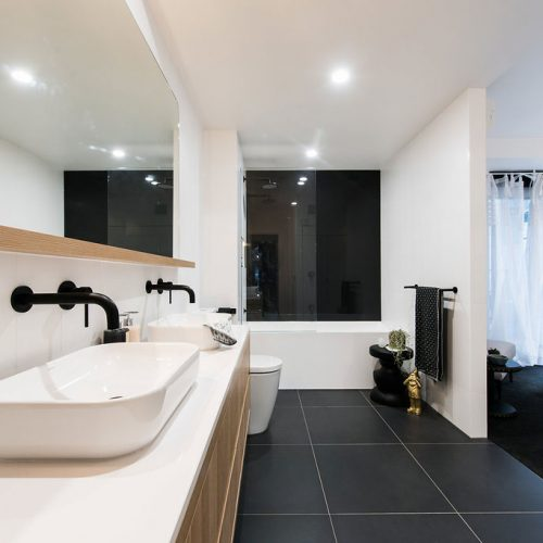 Embracing-Space-Bathroom-Interiors-South-Yarra